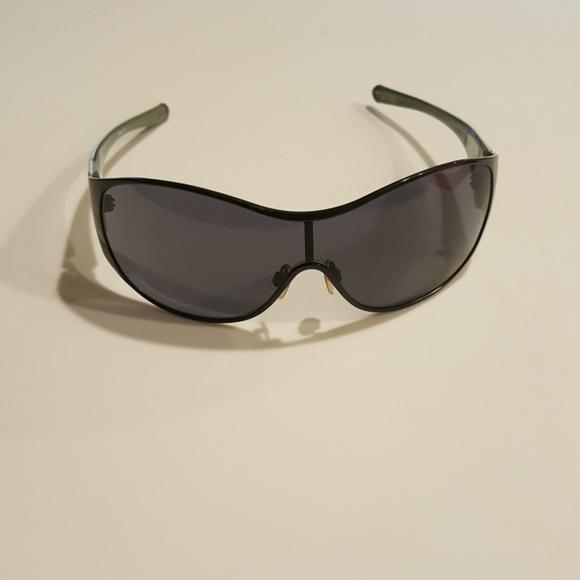 570cb087b5 MAKE AN OFFER Oakley breathless sunglasses
